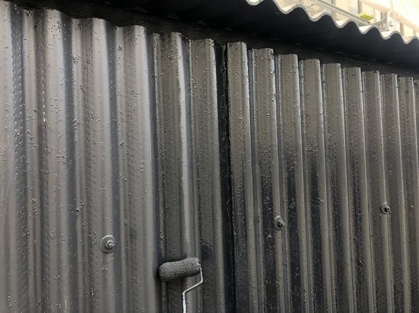大阪府吹田市 小波スレートの壁、屋根塗装 手順 日本ペイント ファインパーフェクトトップ (2)