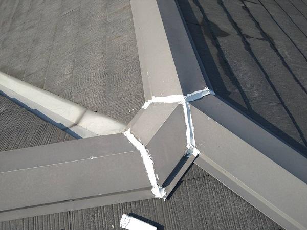 大阪府大阪市 D様邸 屋根塗装・外壁塗装・付帯部塗装 棟板金塗装 ケレン作業 (2)