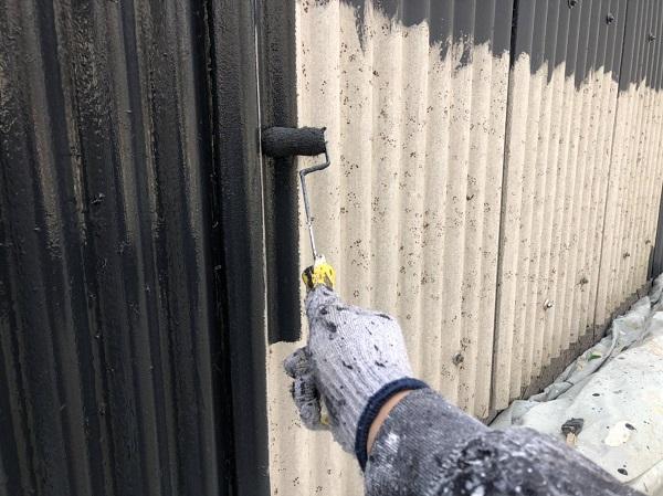 大阪府吹田市 小波スレートの壁、屋根塗装 手順 日本ペイント ファインパーフェクトトップ (4)