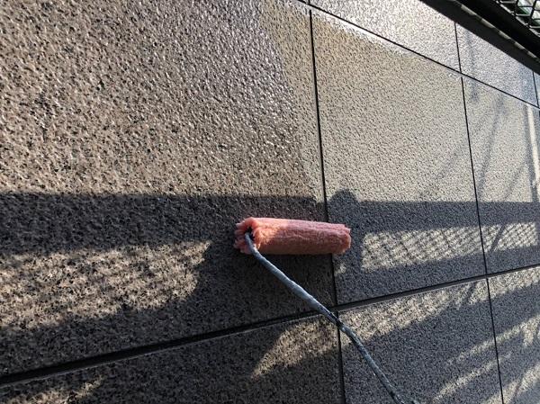 大阪府豊中市 D様邸 外壁塗装 3度塗り 上質な仕上がりになる『ダイフレックス ダイヤカレイド』 (2)