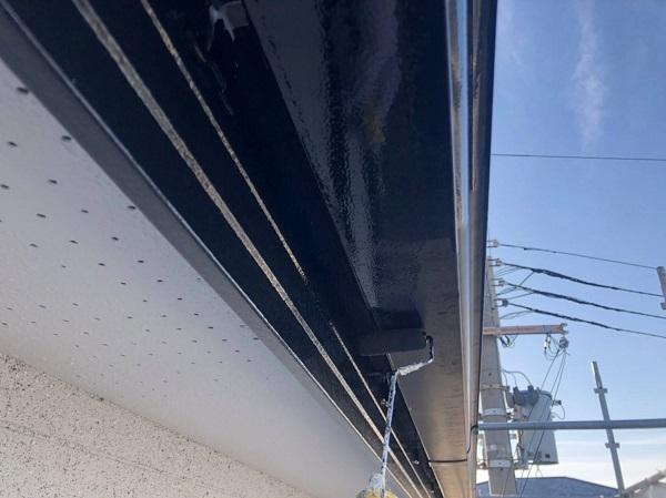 大阪府吹田市 付帯部塗装 破風板・軒天・雨樋 付帯部を塗装する理由 (1)