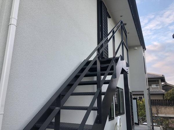 大阪府摂津市 鉄骨階段塗装 錆びの恐ろしさ 塗装の工程 (5)
