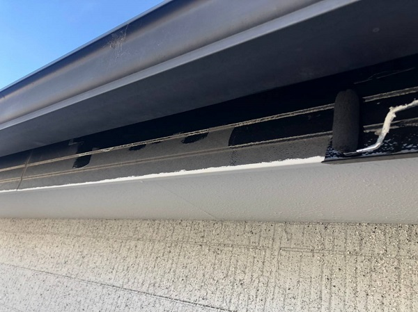 大阪府吹田市 付帯部塗装 破風板・軒天・雨樋 付帯部を塗装する理由 (3)