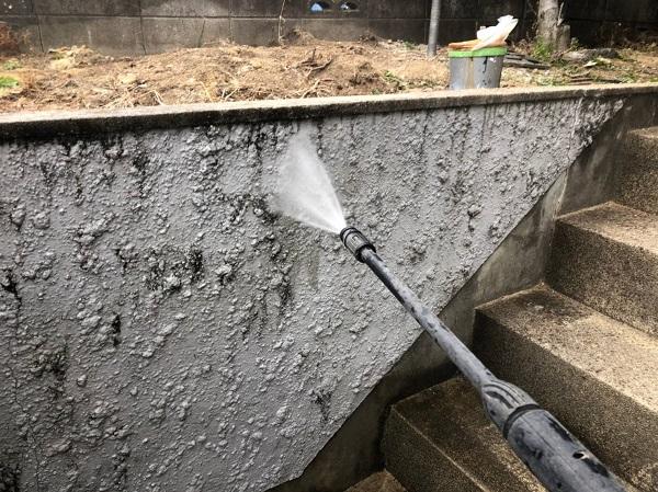 大阪府吹田市 外構の高圧洗浄 土砂やエフロ、苔や黒ずみを綺麗にしました! (3)