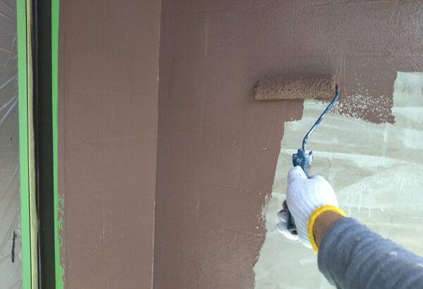 大阪府吹田市 外壁塗装 搔き落とし仕上げ カチオンフィラーで下地調整 (2)