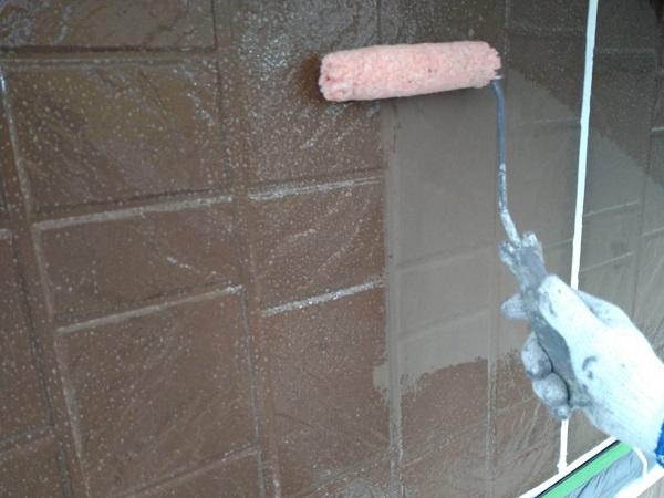 大阪府摂津市 外壁塗装 外壁下塗り ワイドシーラー (1)