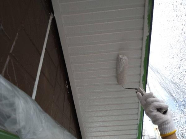 大阪府摂津市 外壁塗装 付帯部塗装の重要性 軒天 (1)