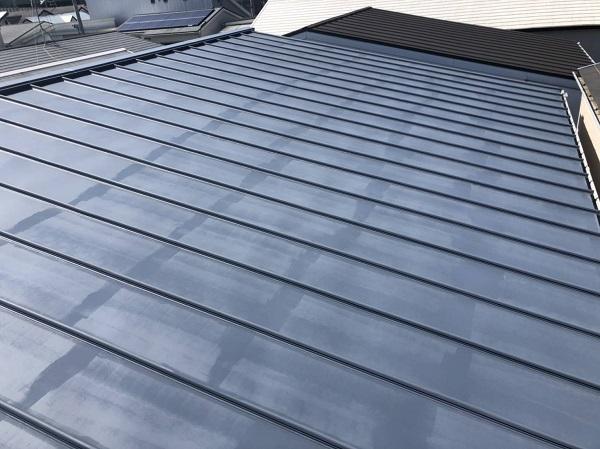 大阪府寝屋川市 屋根カバー工法(重ね葺き工事) 3つの屋根メンテナンス方法 ガルバリウム鋼板 (3)