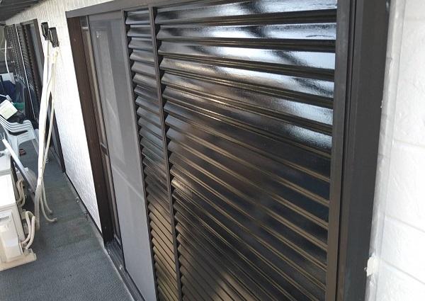 大阪府摂津市 外壁塗装 付帯部塗装 雨戸塗装 フッ素塗料の特徴 (1)