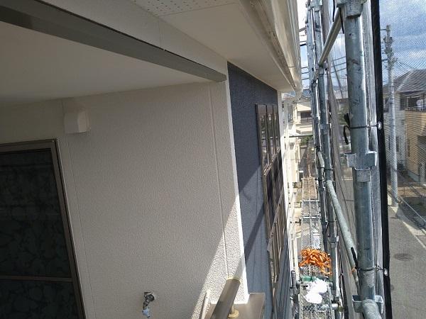 大阪府枚方市 I様邸 外壁塗装・付帯部塗装 日本ペイント ラジカル制御型塗料 パーフェクトトップ ホワイト×ネイビー2色仕上げ (1)