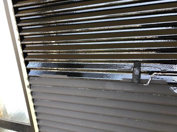 大阪府摂津市 T様邸 屋根塗装・外壁塗装・付帯部塗装 雨戸、庇塗装 目荒らしとは (8)
