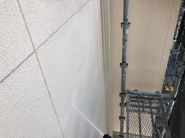 大阪府枚方市 I様邸 外壁塗装・付帯部塗装 下地処理 高圧洗浄 (2)