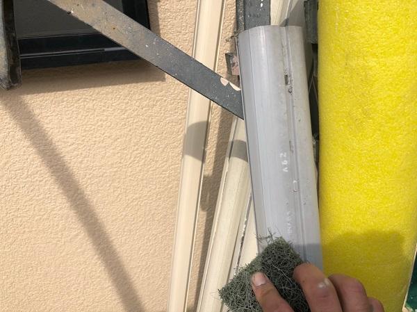 大阪府摂津市 T様邸 屋根塗装・外壁塗装・付帯部塗装 エアコンホースカバー、水切り塗装 完工 (3)