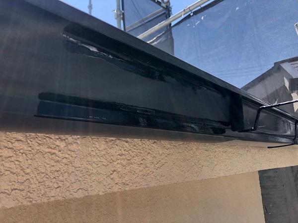 大阪府摂津市 T様邸 屋根塗装・外壁塗装・付帯部塗装 雨樋、換気フード塗装 (2)