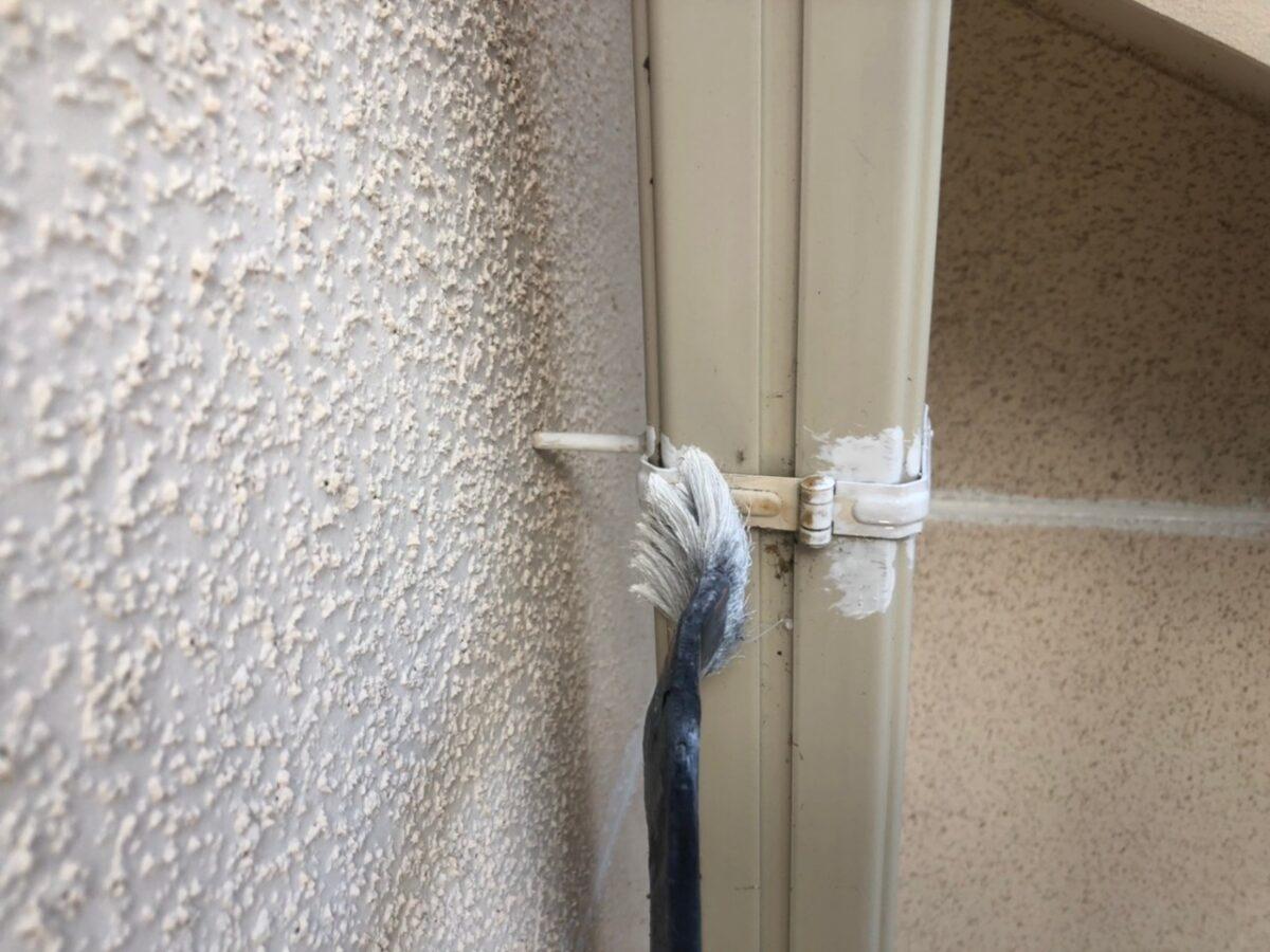 大阪府枚方市 I様邸 外壁塗装・付帯部塗装 破風板、ケラバ、鼻隠しの違い 雨樋塗装 (6)