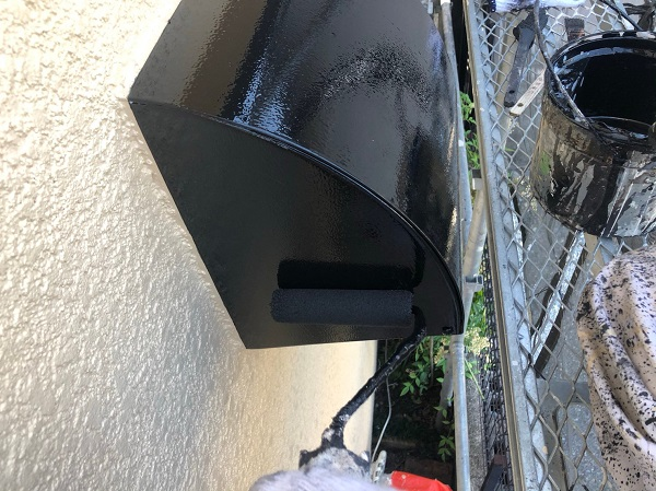 大阪府摂津市 T様邸 屋根塗装・外壁塗装・付帯部塗装 雨樋、換気フード塗装 (3)